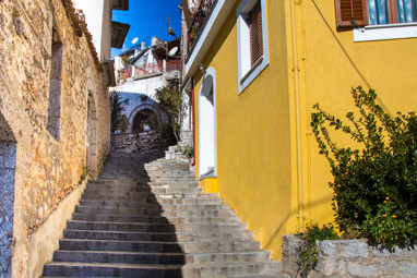 Sterea Ellada-Arachova-To the alleys