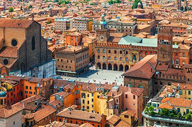 Italy-Bologna-Piazza Maggiore