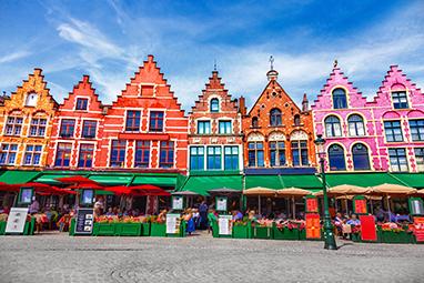 Belgium-Bruges-Στις πλατείες Burg και Markt