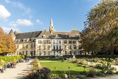 France-Grenoble-Jardin de Ville