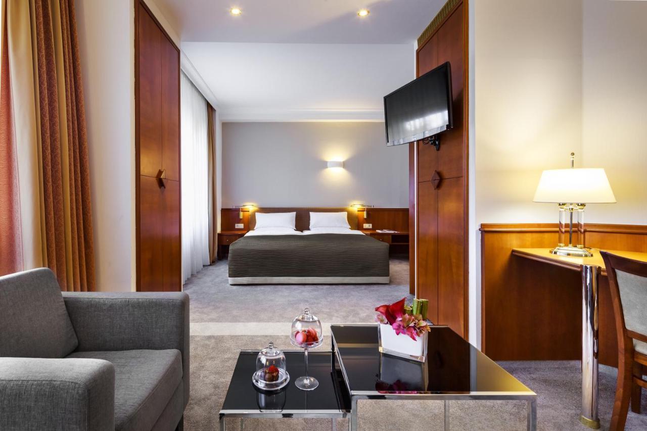 Hotel Bristol Berlin, 5*