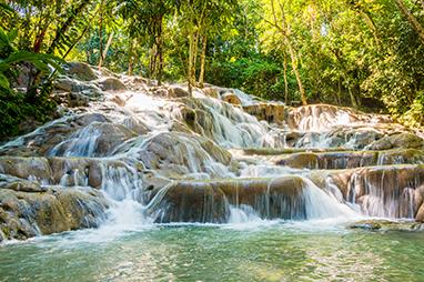 Kingston-Jamaica-Οι καταρράκτες του Dunn's River
