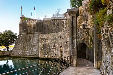 Montenegro-Kotor-Τείχη της πόλης