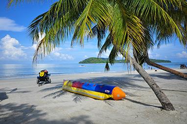 Malaysia-Langkawi-Θαλάσσια σπορ στην παραλία Pantai Cenang