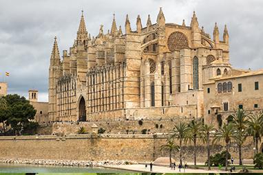 Spain-Mallorca-Basílica de Santa María de Mallorca