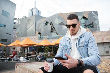 Australia-Melbourne-Πλατεία Ομοσπονδίας