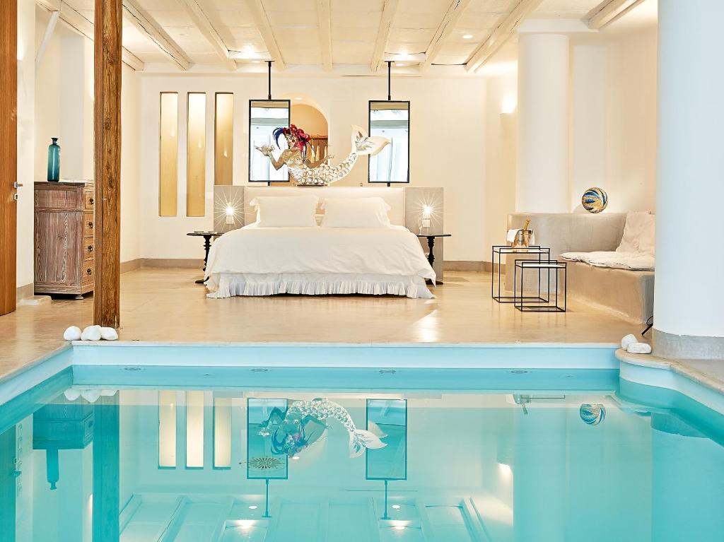 Poseidon Hotel, 4*