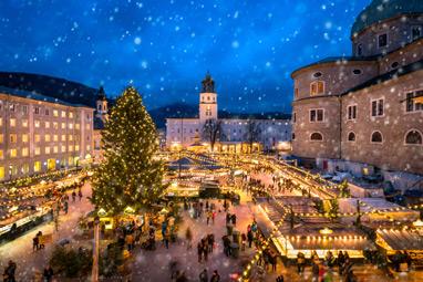 Austria-Salzburg-Στην Domplatz