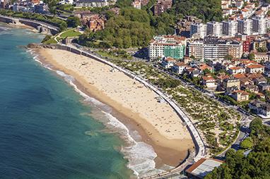 Spain-San Sebastian-Playa de Ondarreta