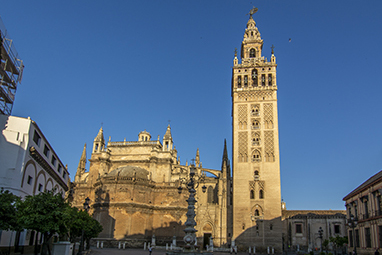 Spain-Seville-La Giralda