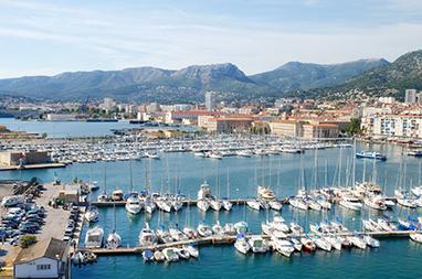 France-Toulon-Bόλτα στο λιμάνι